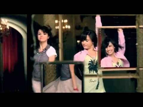 Selena Gomez - Shake it up [Official video]