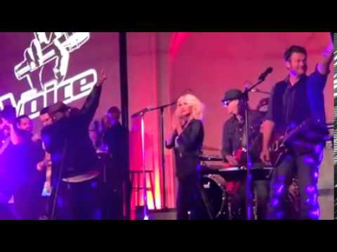 Christina Aguilera, Blake, Adam, Cee Lo - Crazy & I Love Rock'n'Roll (live at 'Top-12 Party')
