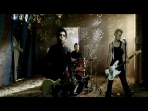 Green Day - American Idiot- Boulevard Of Broken Dreams - HD (High Definition)